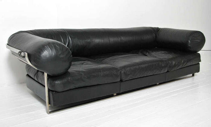 "French Black Leather Sofa ""Appolo"" by Parisian High Society Designer Jacques Charpentier"