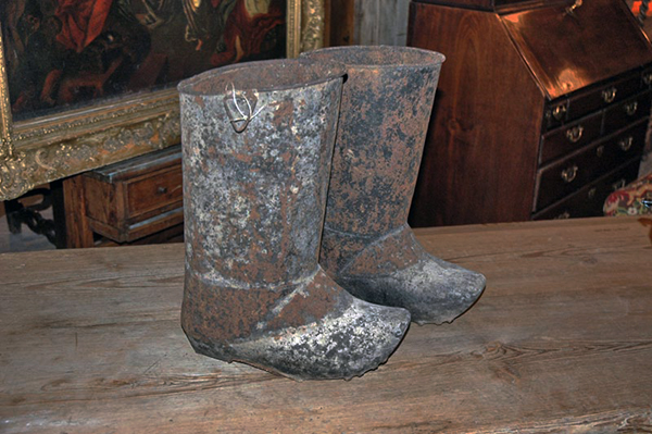 french metal fire boots