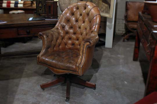 Wondrous English Brown Leather Chesterfield Swivel Button Back Evergreenethics Interior Chair Design Evergreenethicsorg