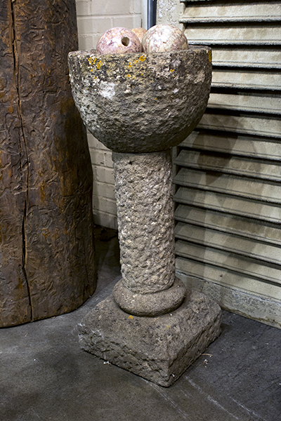english pot on stand